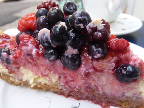 Best Bakeries In The World: Cheesecake con frutas rojas