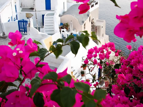 Best Honeymoon Beach Destinations: Village Of Oia In Santorini