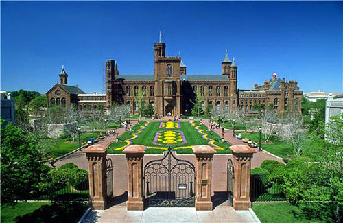 Washington DC Attractions: Smithsonian Institution Building